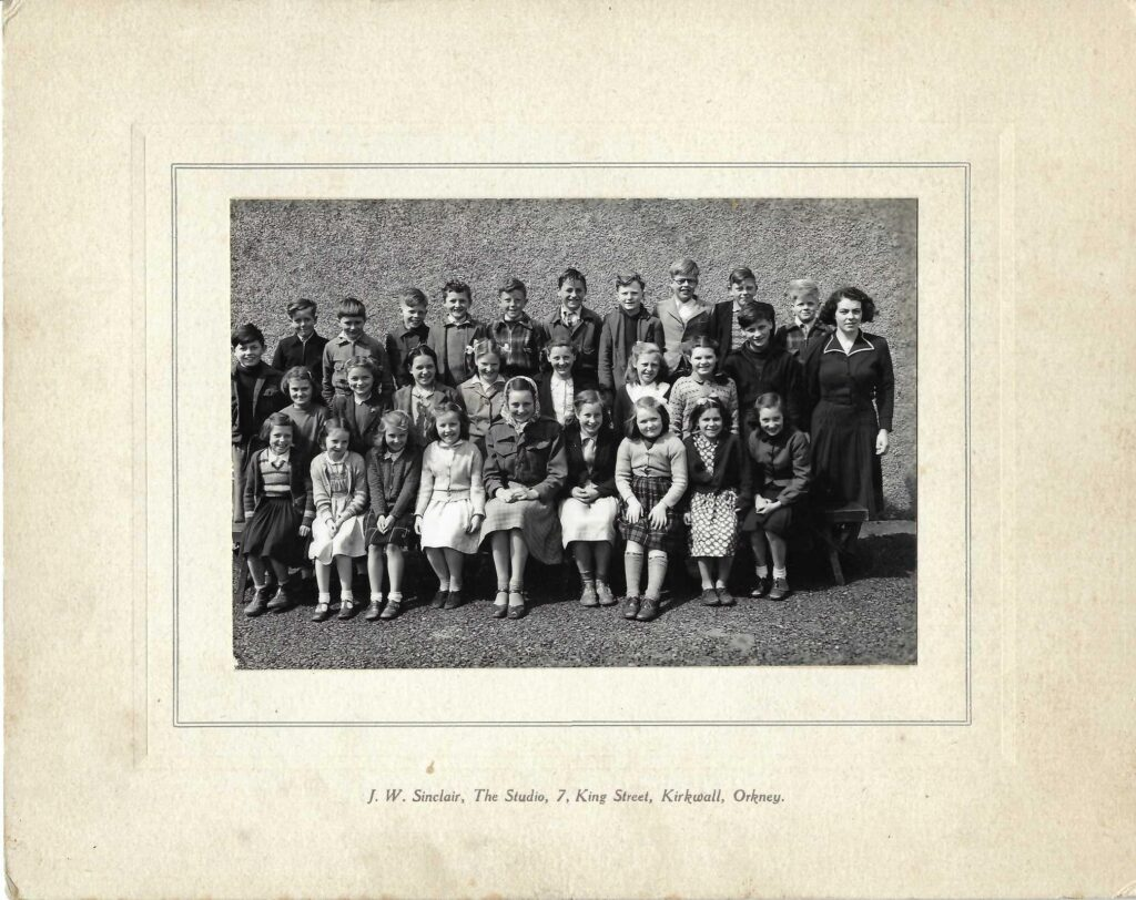 Photograph of North Walls School, Orkney, upper pupils 1952